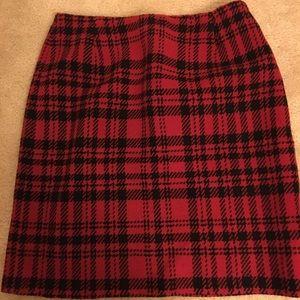 Eddie Bauer Red Wool Pencil Cut skirt Size 8